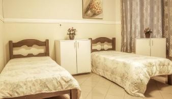 Serviço de quarto completo e lavanderia incluso